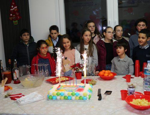 Compleanno pieno d'amicizia a casa di Joy, una festa colma di gioia